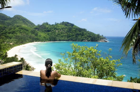 Infinity pool with glorious island views at Banyan Tree Seychelles.