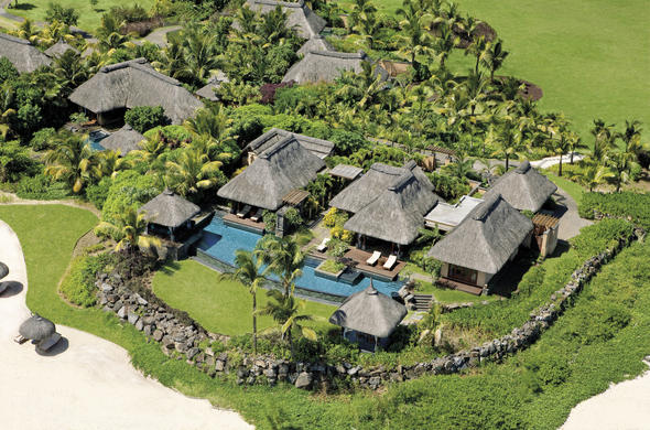 Shanti Maurice is located on the Mauritius south coast on the beach.